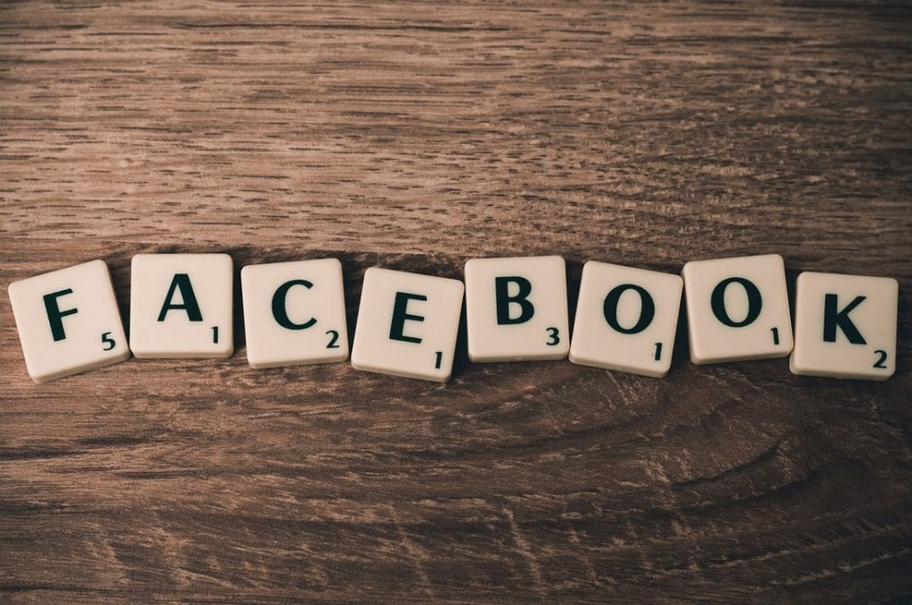 Napis Facebook